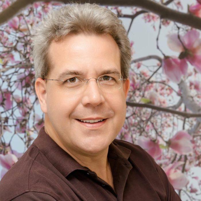 Dr. (H) Thomas Abeler